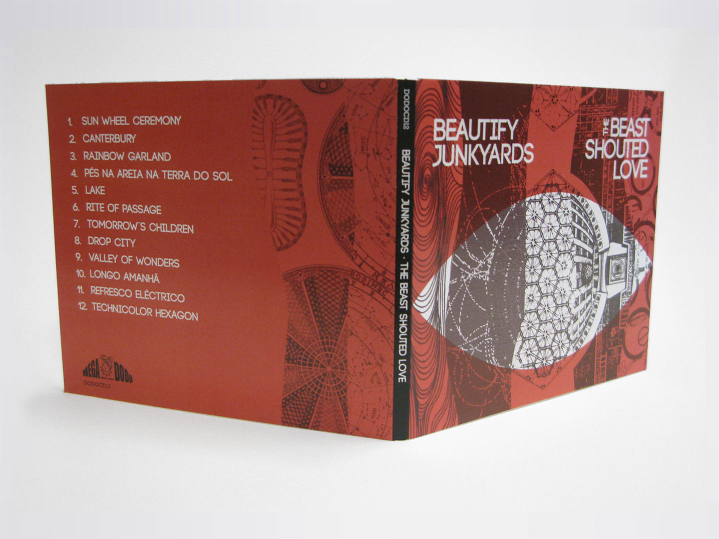 Beautify Junkyards - The Beast Shouted Love - CD box